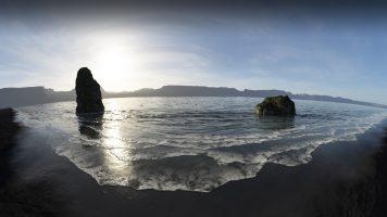 Iceland-beach_ice-chunk14_water_black-sand-beach3_fisheye5_HD_fade.jpg